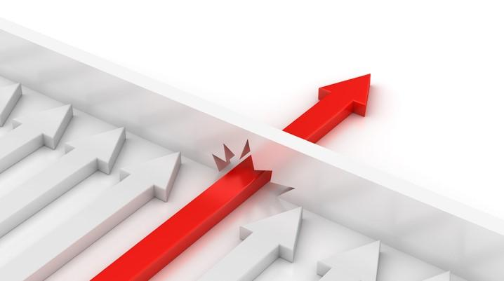 A necessidade rompe as barreiras contra a mudança